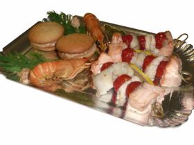 Brochette aux trois poissons macarons d'écrevisse